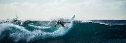 Clases de surf : 20 € por semana, 25 € fin de semana, añádele transporte desde 5€